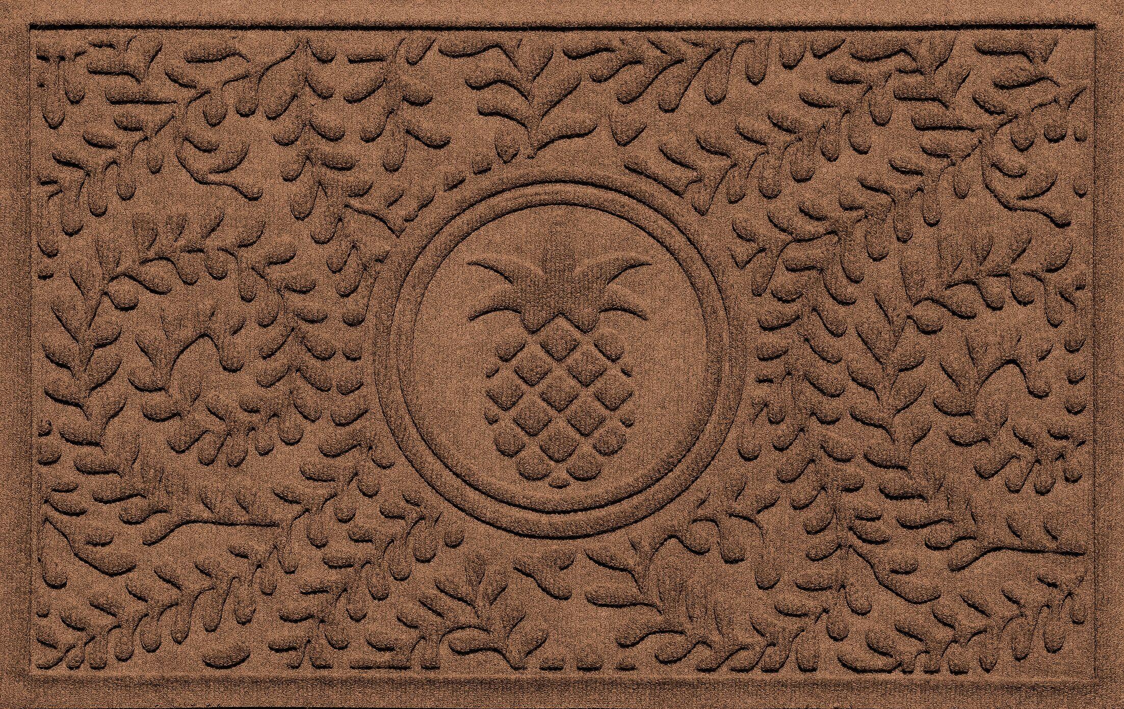 Shield Boxwood Ship's Wheel Doormat Color: Dark Brown