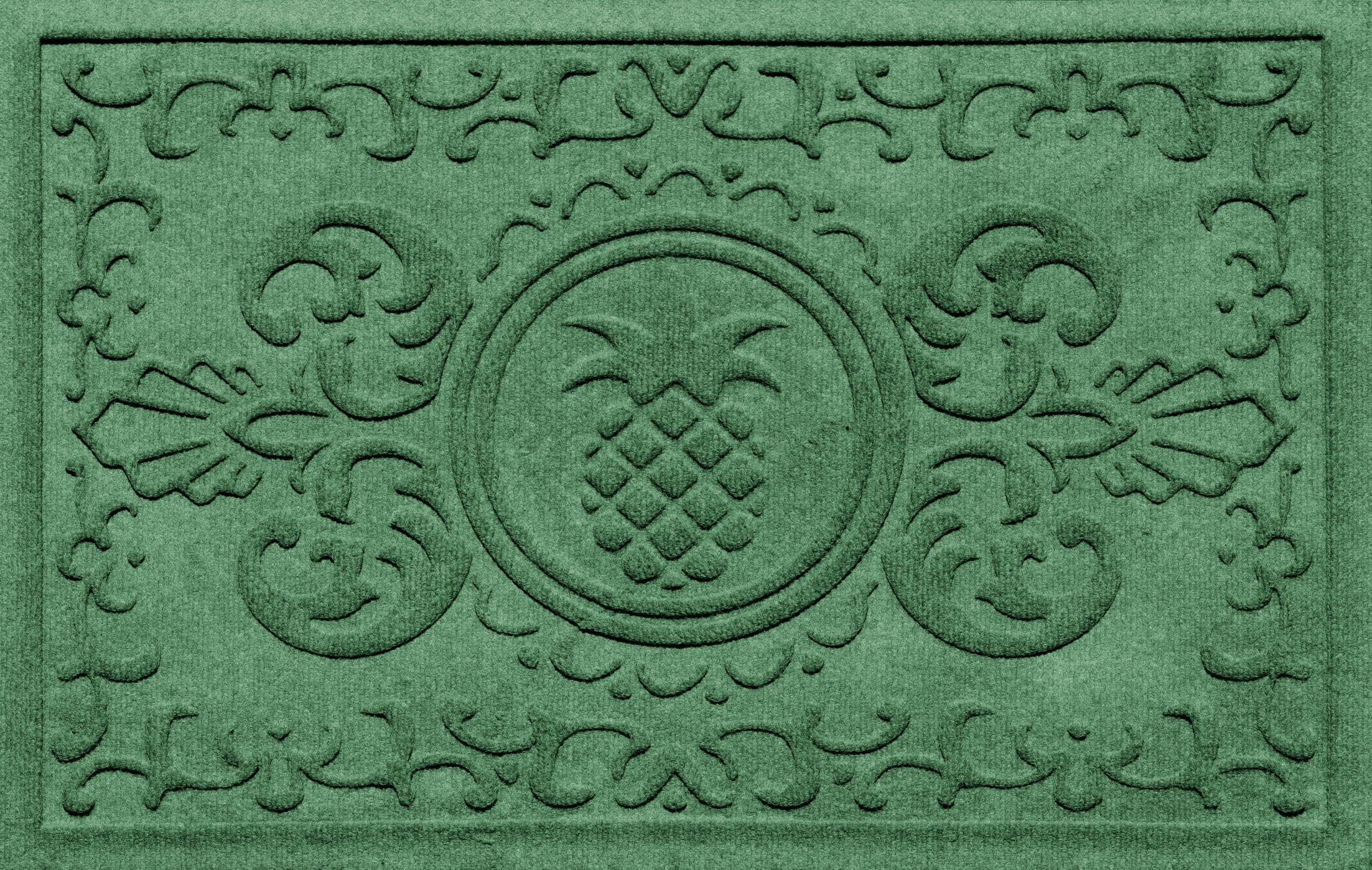 Shield Baroque Pineapple Doormat Color: Light Green