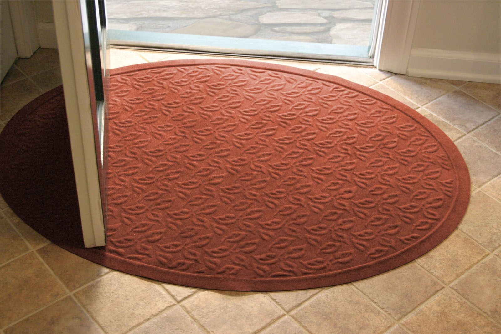 Soft Impressions Dogwood Leaf Doormat Mat Size: Oval 3' x 4', Color: Montego Pepper