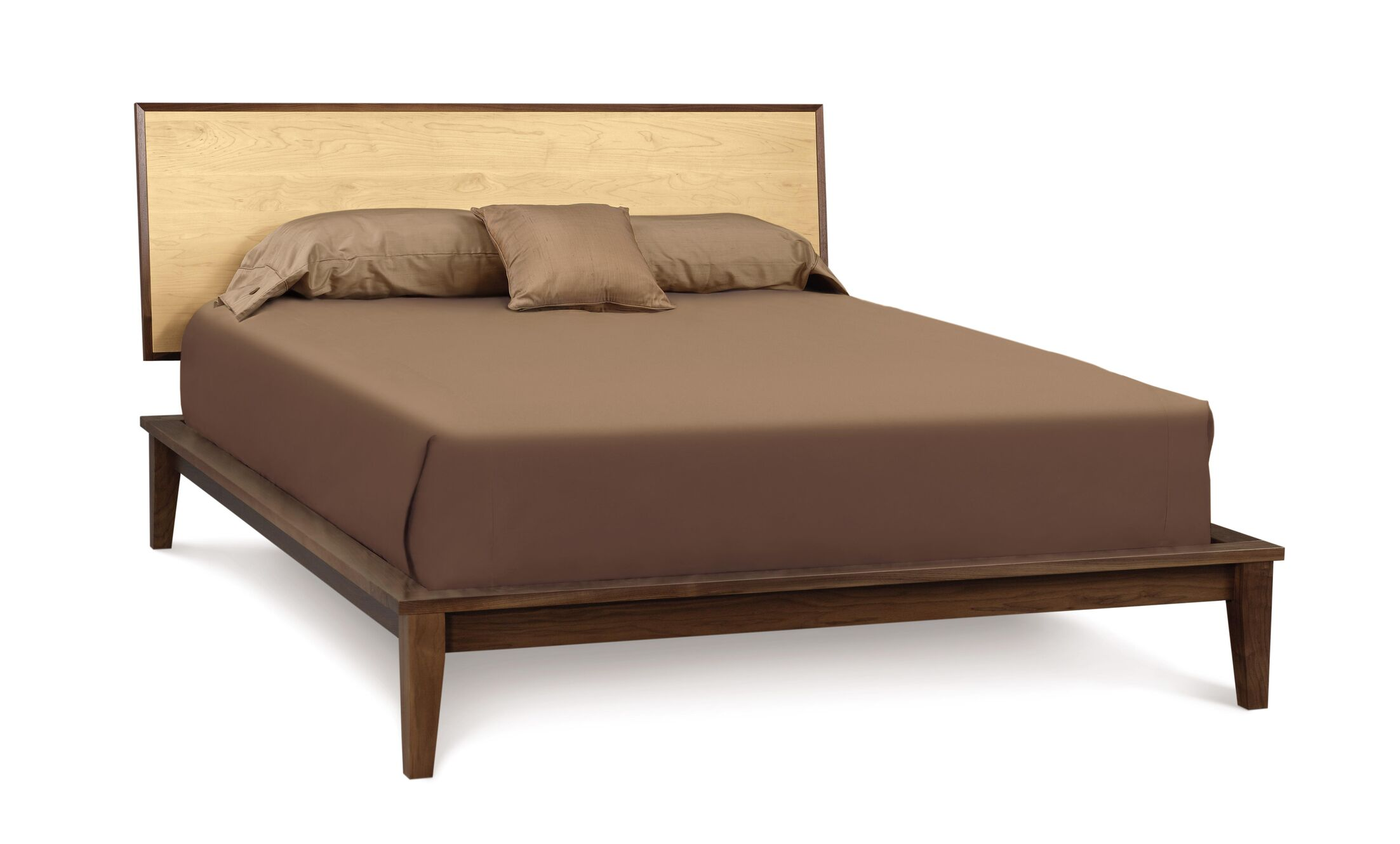 SoHo Platform Bed Color: Walnut and Maple, Size: Queen