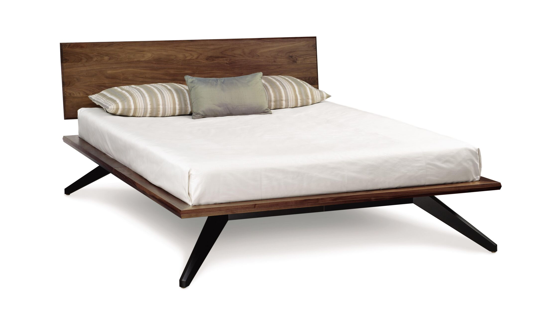 Astrid Platform Bed Color: Slate Maple, Size: Queen