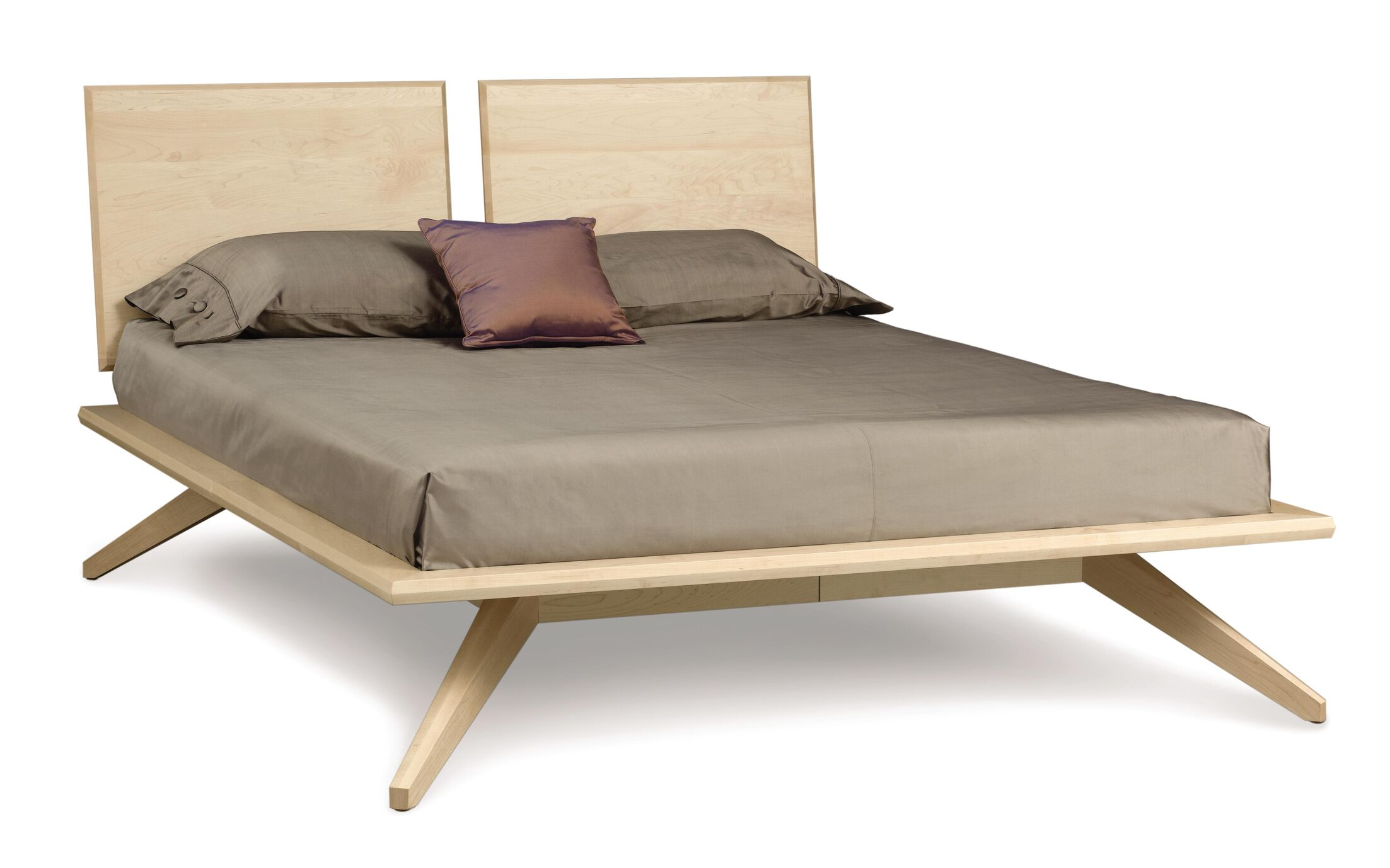 Astrid Platform Bed Size: King, Color: Dark Chocolate Maple
