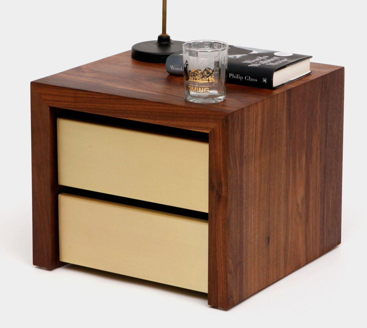 SQM 2 Drawers Nightstand Color: Gold
