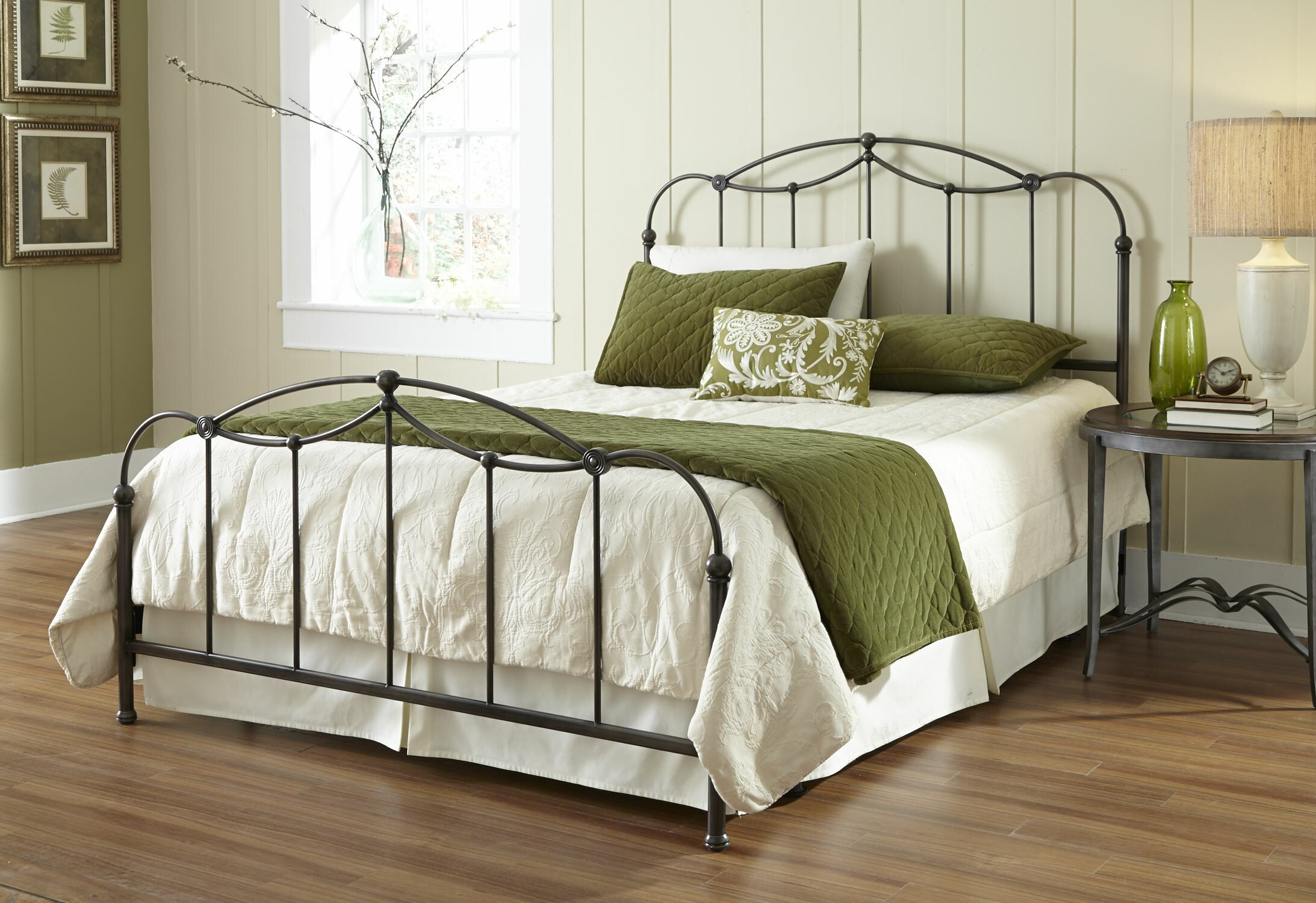 Affinity Panel Bed Size: Queen