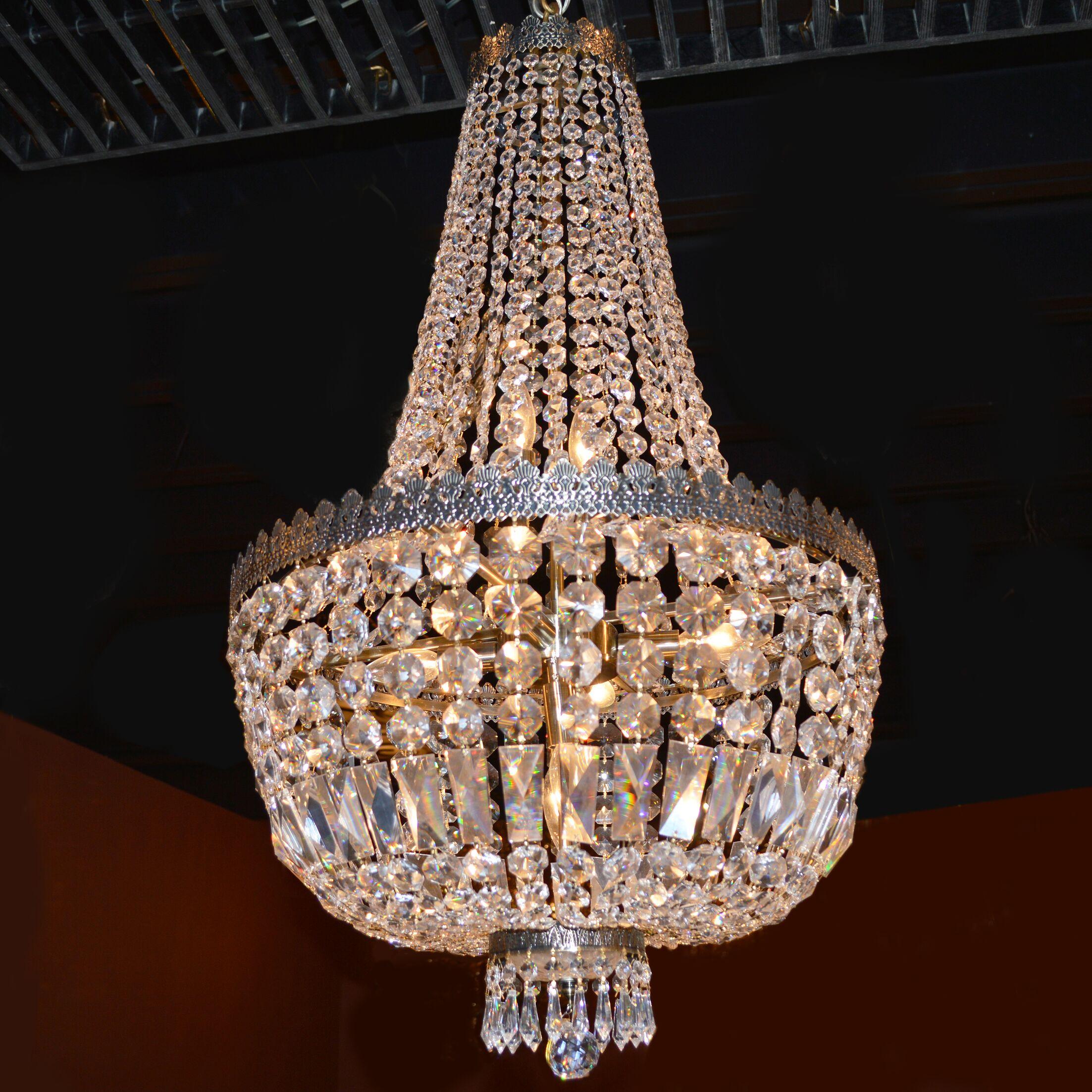 Brooks Bay 8-Light Chandelier