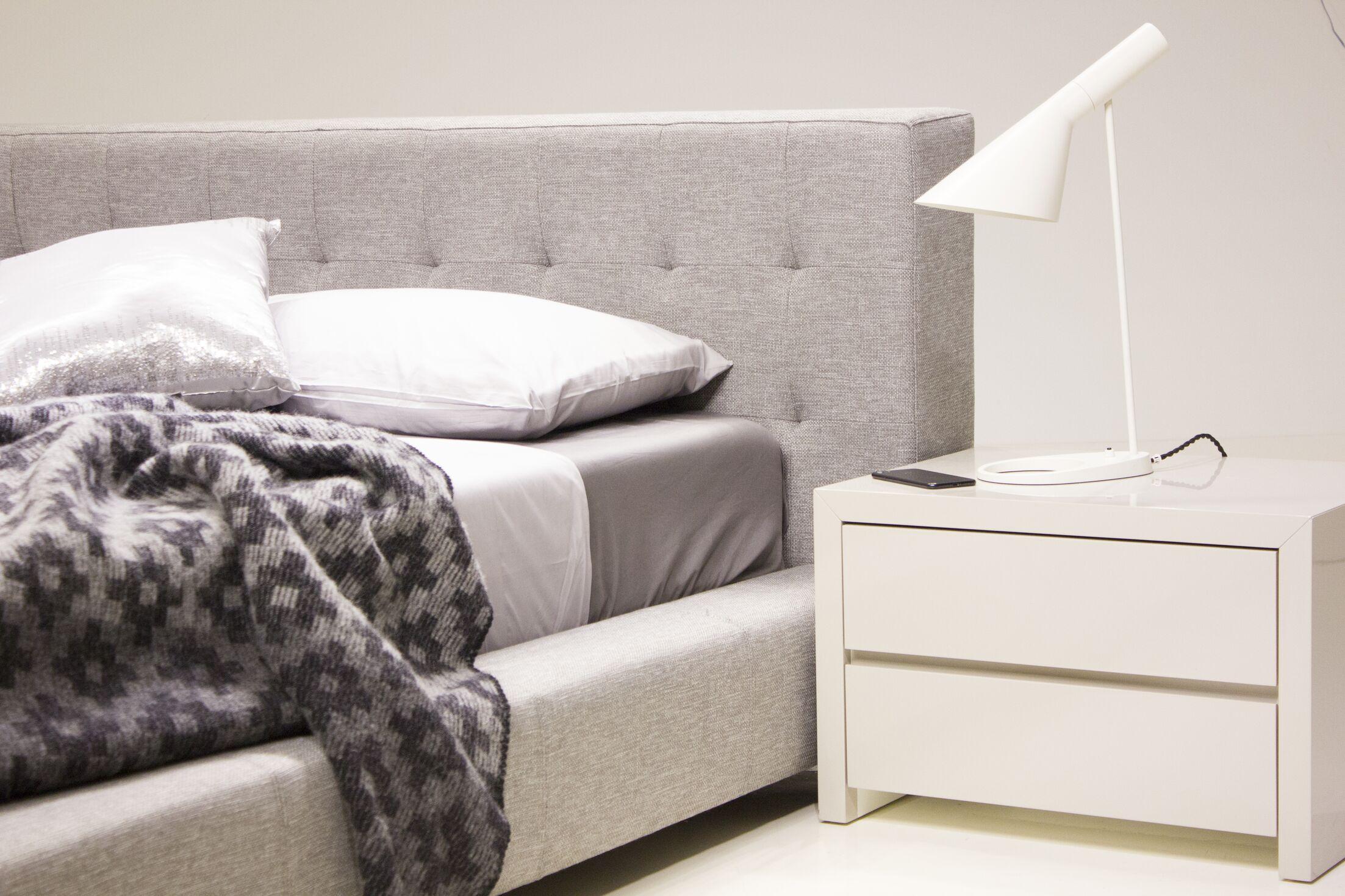 Fresca Upholstered Platform Bed Size: Queen, Color: Pewter Tweed