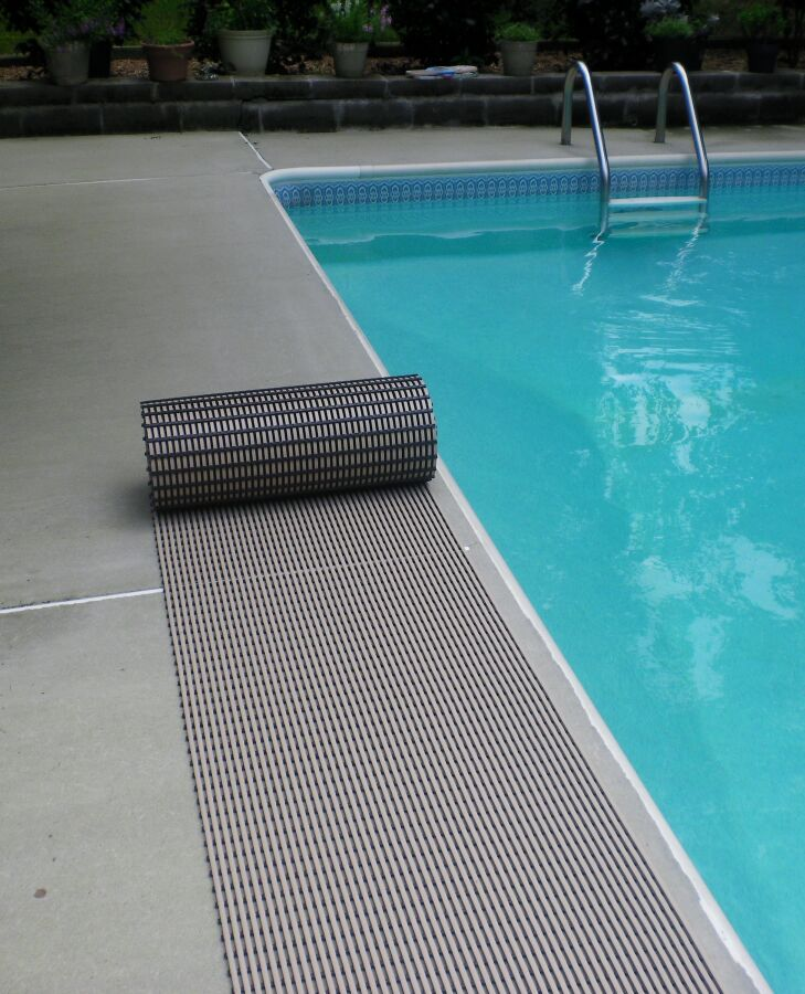 World's Best Barefoot Anti-Slip Doormat Mat Size: Rectangle 2' x 30', Color: Buff