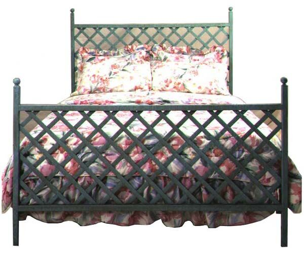 Panel Bed Color: Aged Iron, Size: Queen