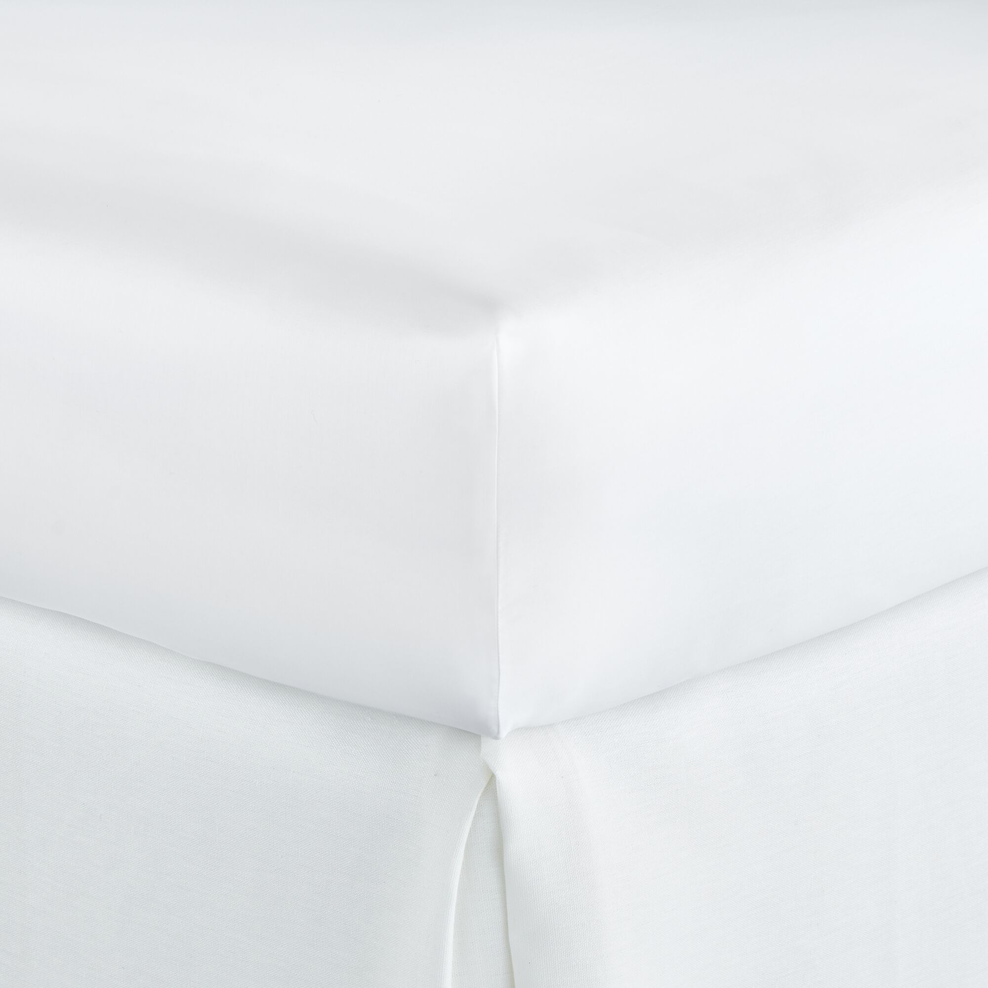 Lyric 500 Thread Count Egyptian-Quality Cotton Fitted Sheet Size: King, Color: White