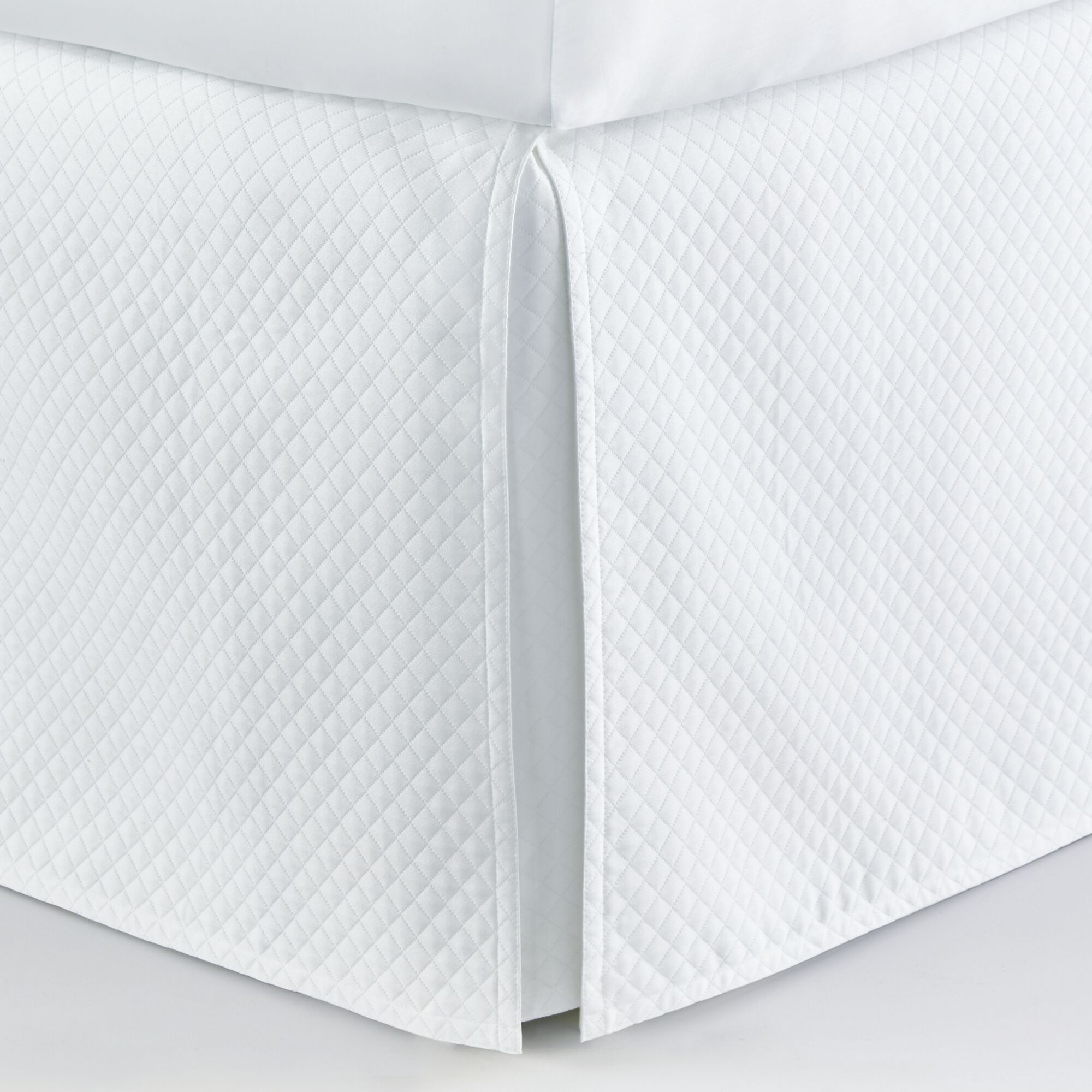 Oxford Paneled Bed Skirt Size: California King, Color: White