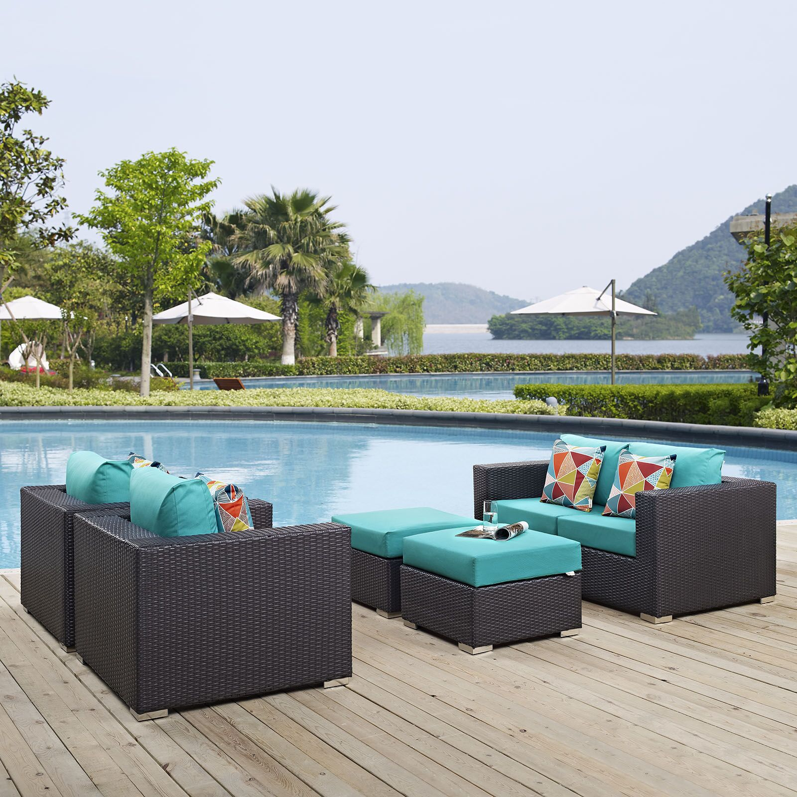 Ryele 5 Piece Rattan Sectional Set with Cushions Fabric: Turquoise