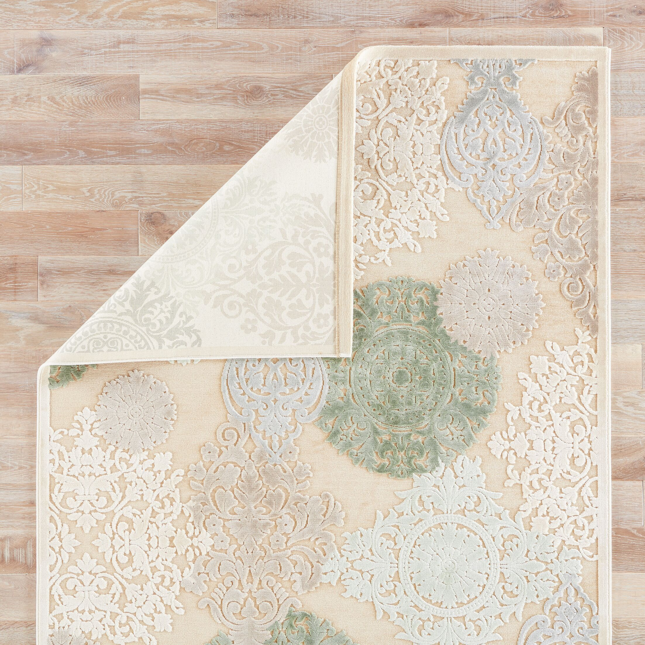 Styers Floral Area Rug Rug Size: 2'6