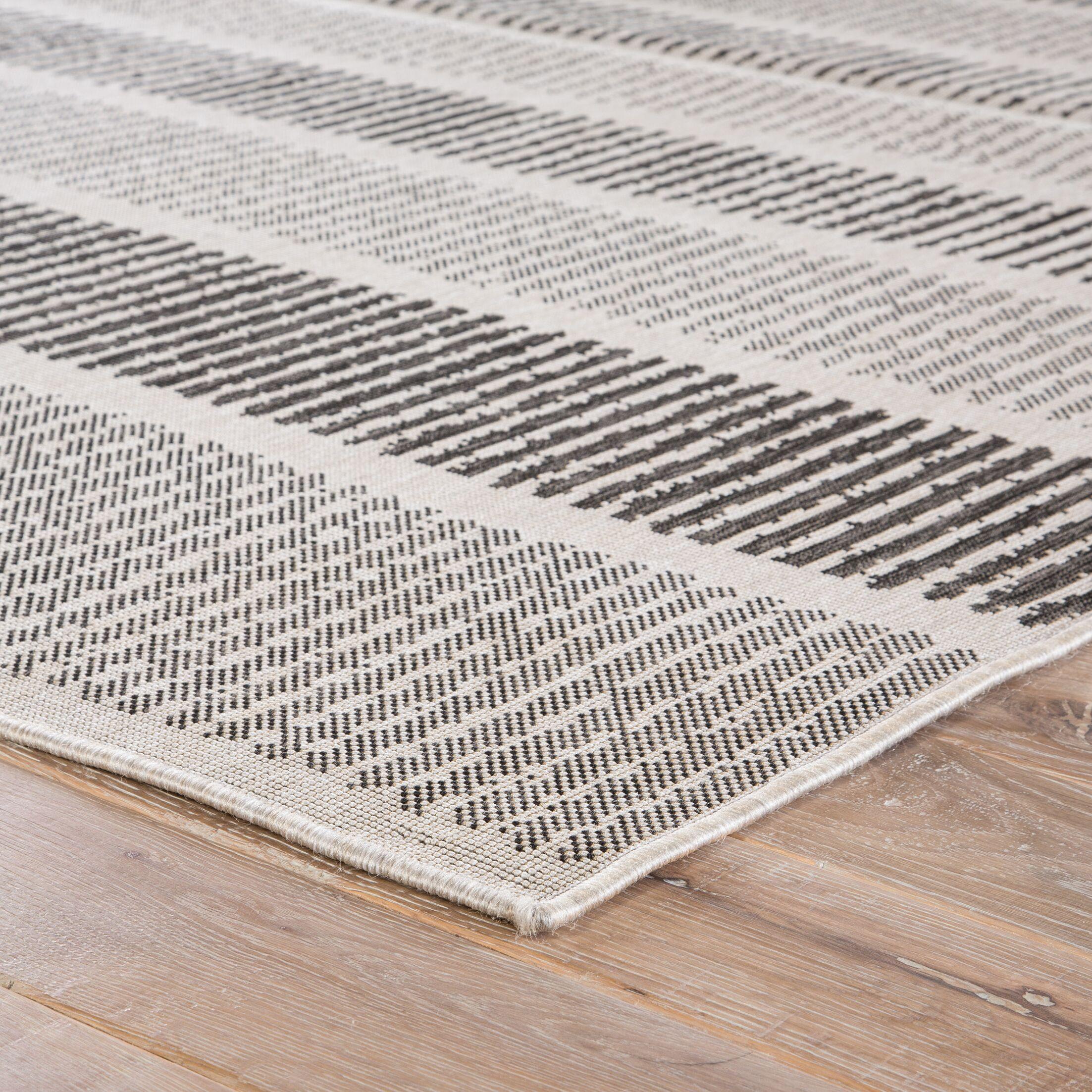 Gwen Gray/Black Indoor/Outdoor Area Rug Rug Size: Rectangle 9' x 12'