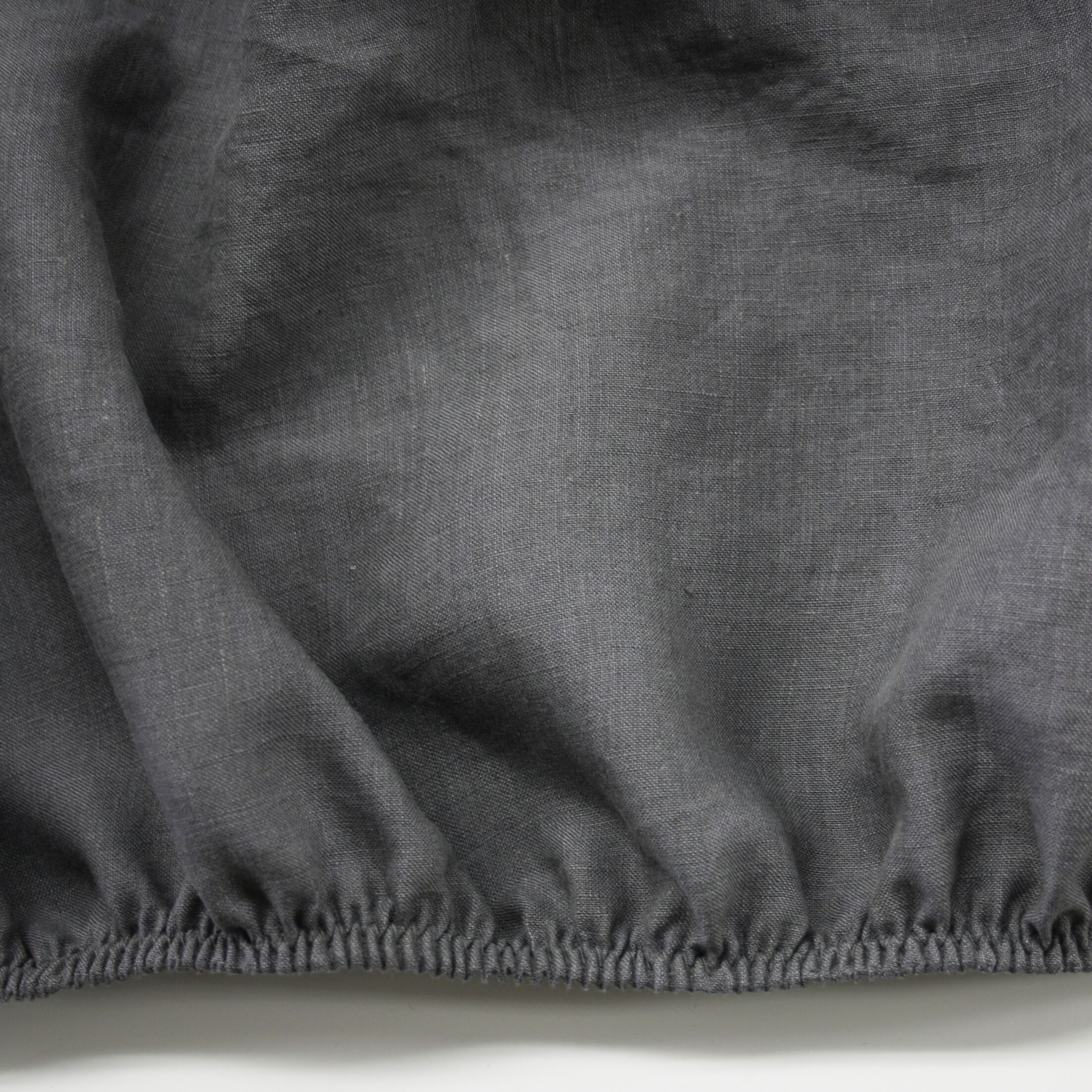 Linen Fitted Sheet Size: California King, Color: Graphite Gray