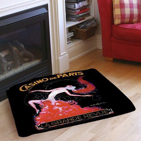 Casino De Paris Indoor/Outdoor Pet Bed Size: 28