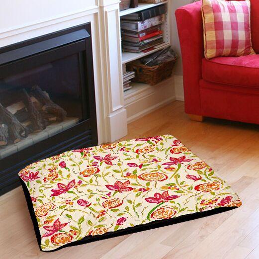 Julia's Fancy Indoor/Outdoor Pet Bed Size: 40