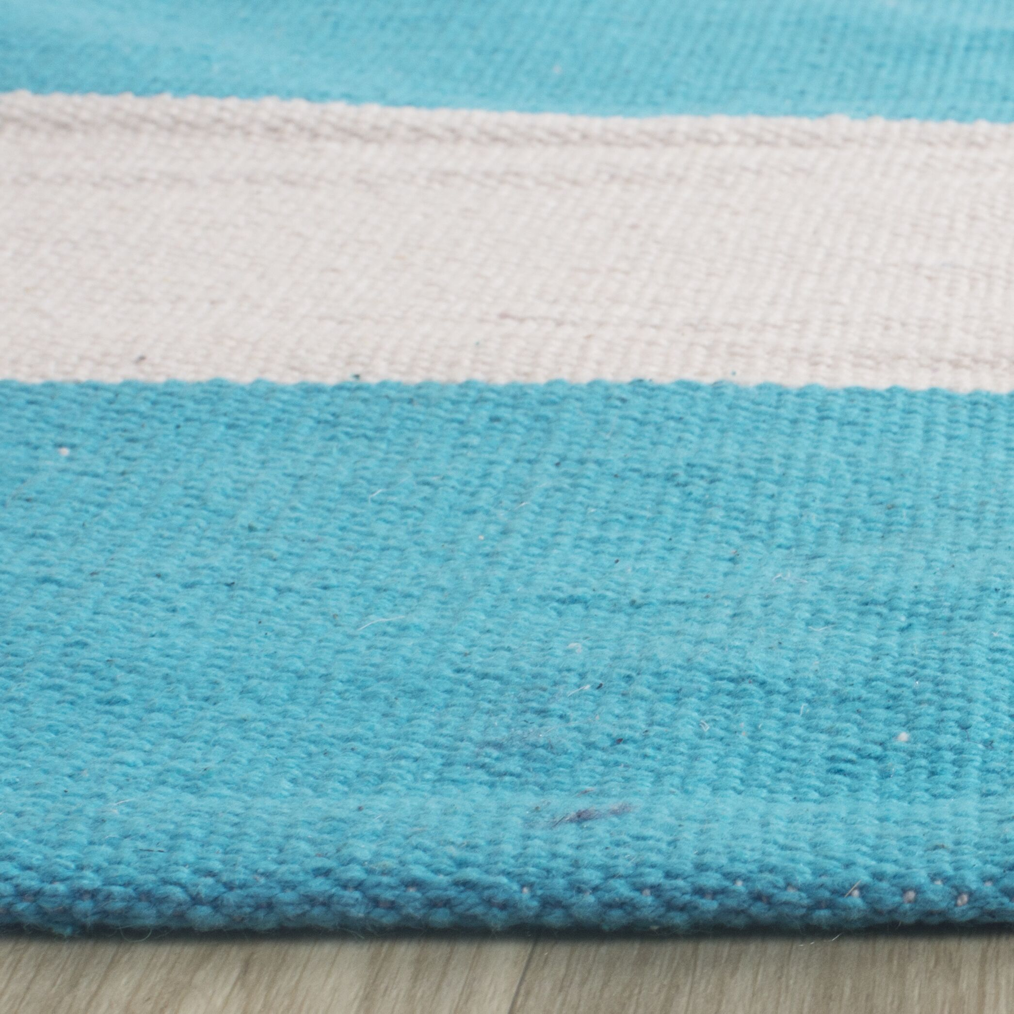 Arely Turquoise/Ivory Area Rug Rug Size: Rectangle 8' x 10'