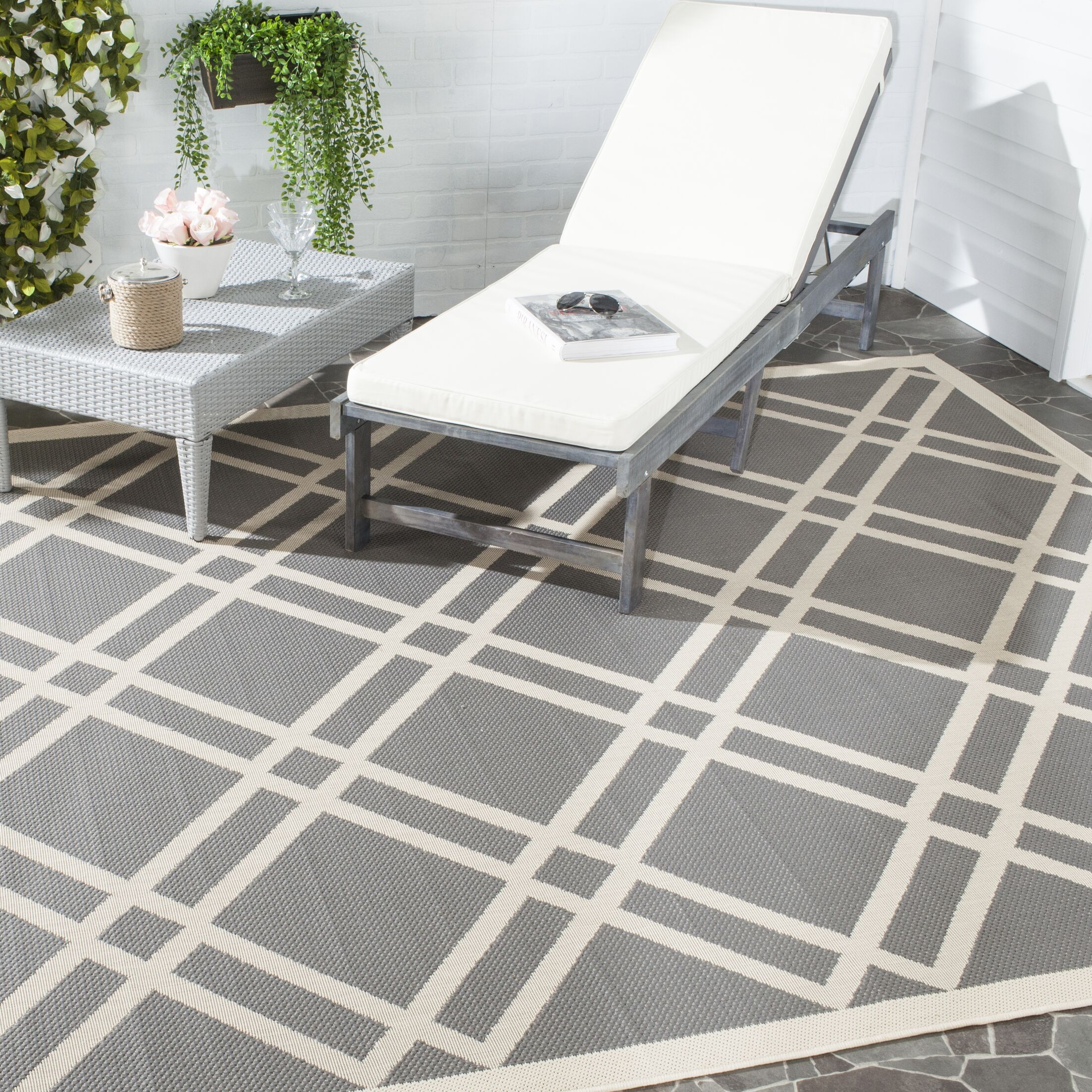 Short Gray/Ivory Indoor/Outdoor Area Rug Rug Size: Rectangle 5'3