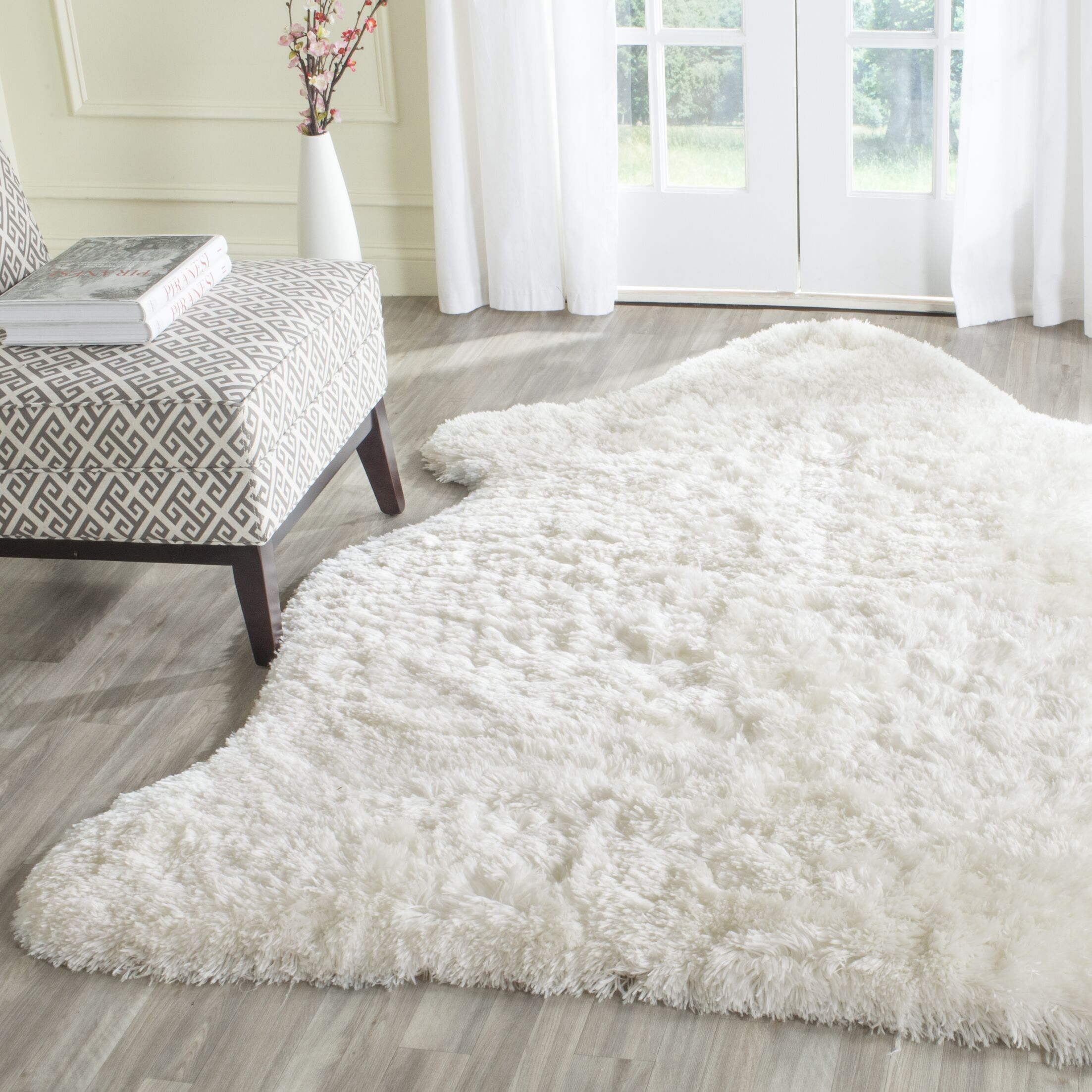 Chantrell Hand-Tufted/Hooked Ivory Area Rug Rug Size: Rectangle 5' x 7'
