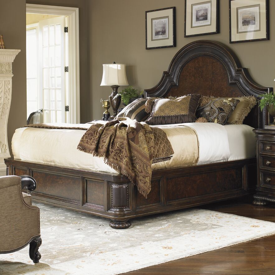 Florentino Upholstered Panel Bed Size: King