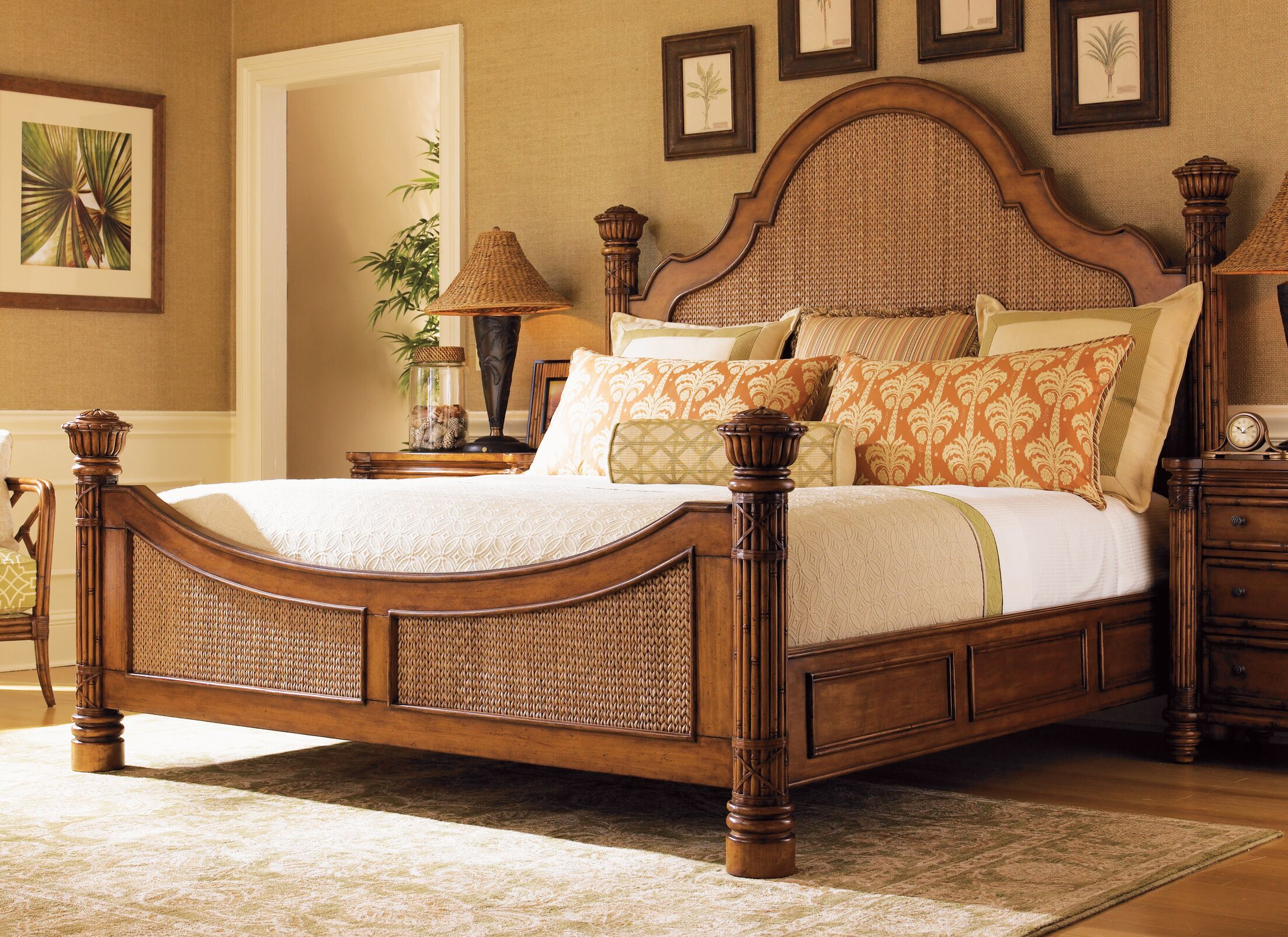 Island Estates Panel Bed Size: King