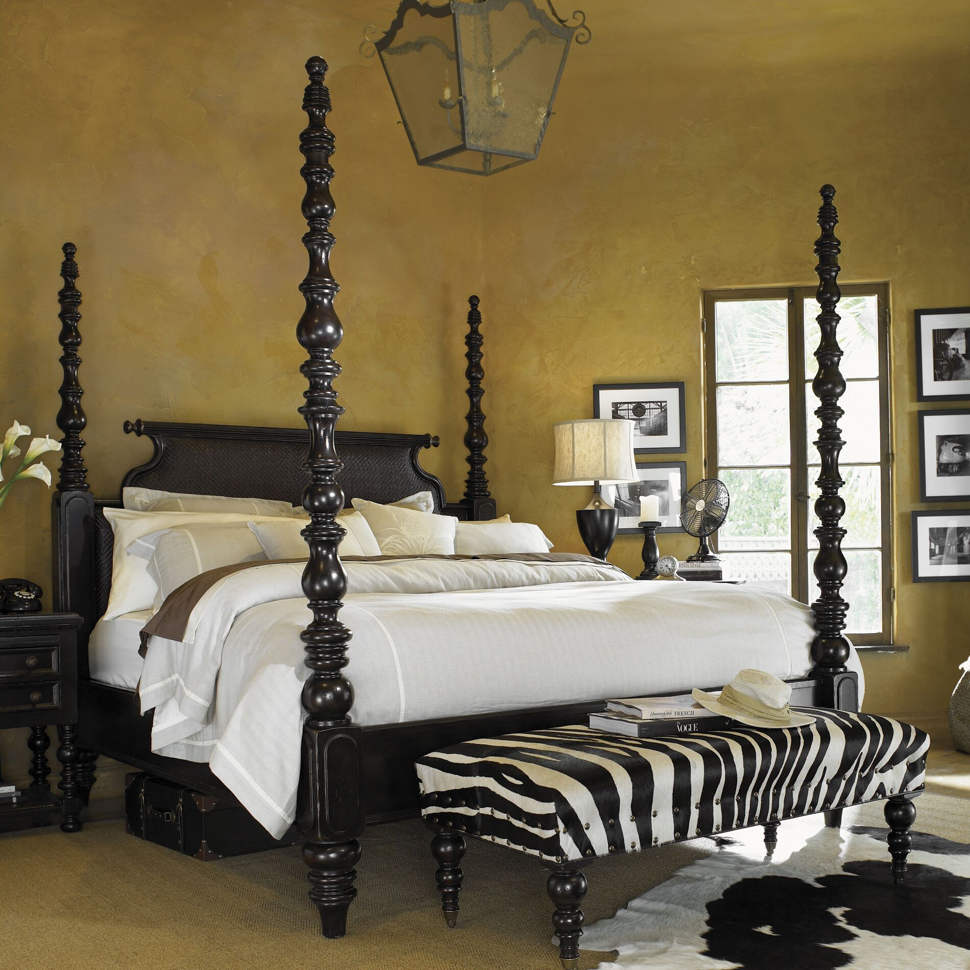 Kingstown Four Poster Bed Size: Queen