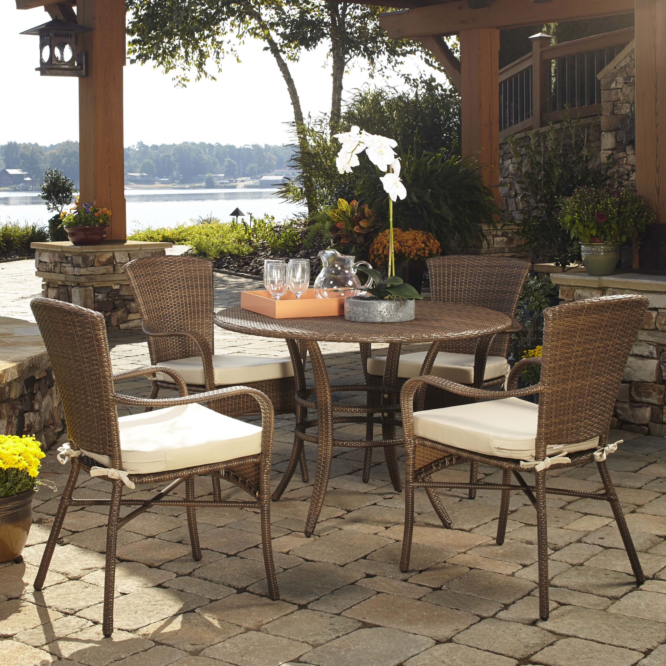 Key Biscayne 5 Piece Dining Set with Cushions Color: Spectrum Almond