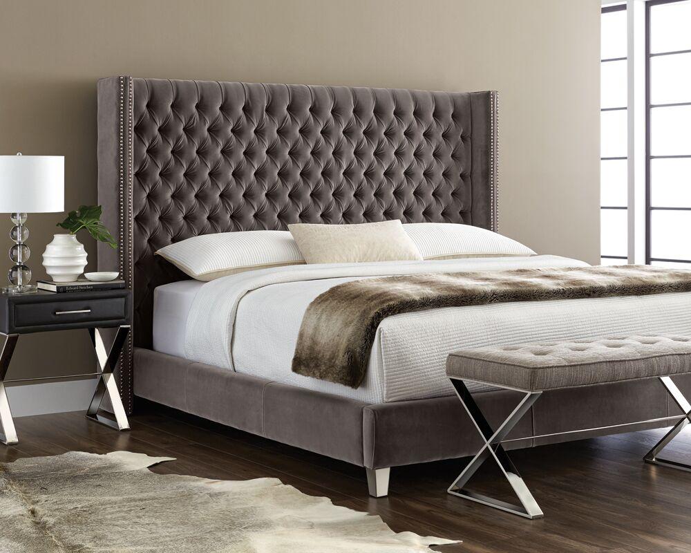Club Mcallen Platform Bed Color: Grey, Size: King