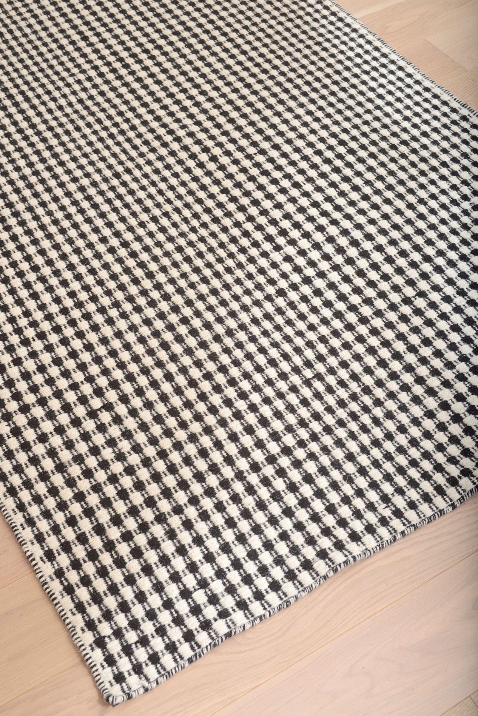 Hempstead Black/Beige Rug Rug Size: 5' x 8'