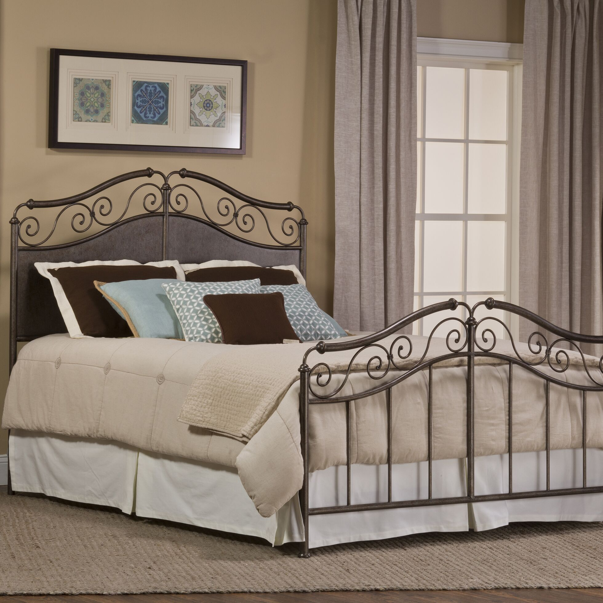 Ravella Panel Bed Size: Queen