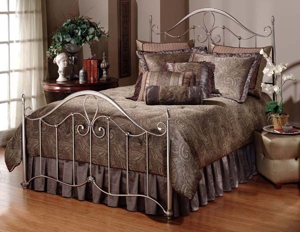 Doheny Panel Bed Size: Full