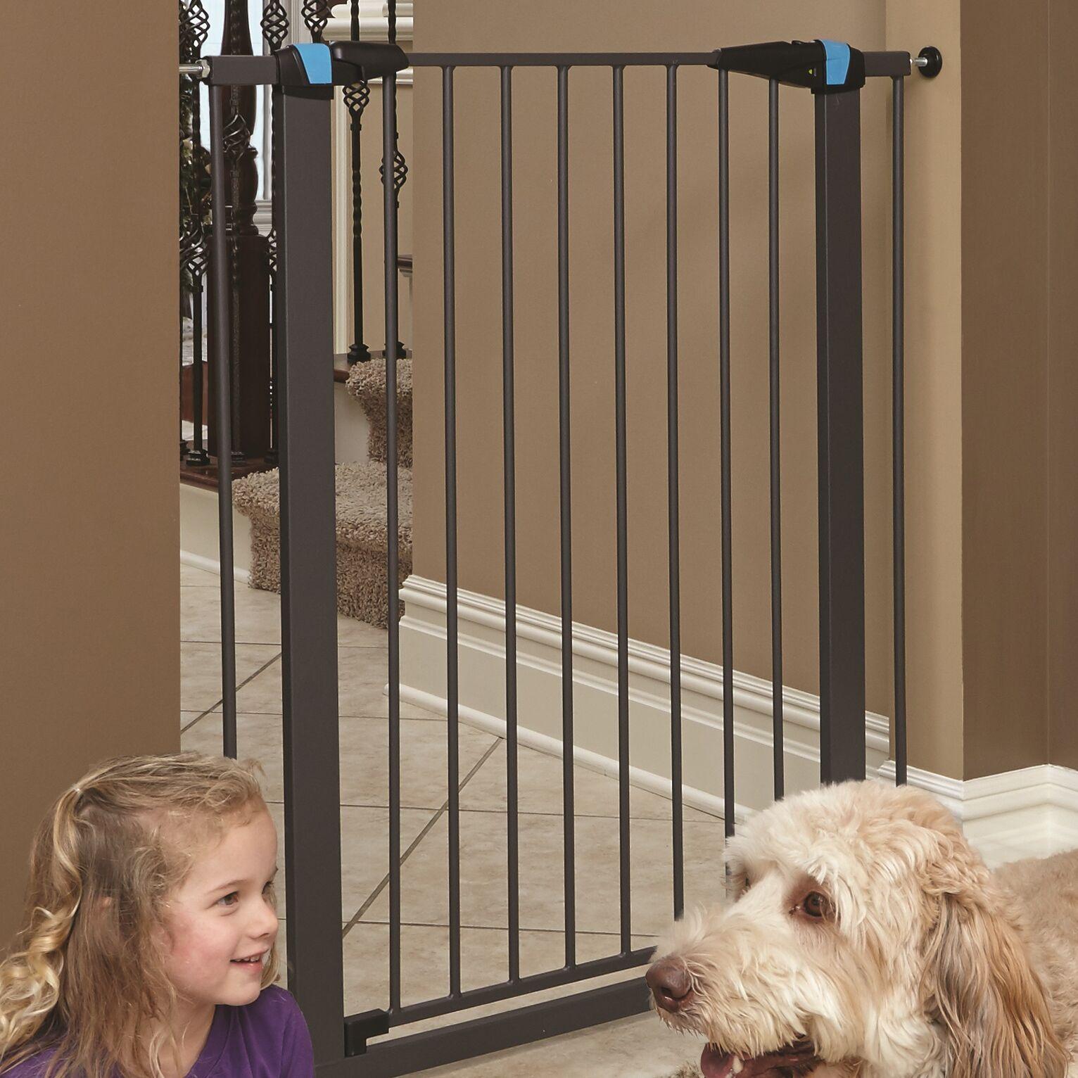 Expands Glow Stripe Pet Gate Size: 39