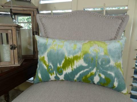 Velvet Bliss Water Double Sided Lumbar Pillow Size: 12