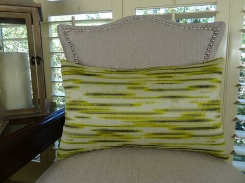 Pinceaux Handmade Throw Pillow Size: 12