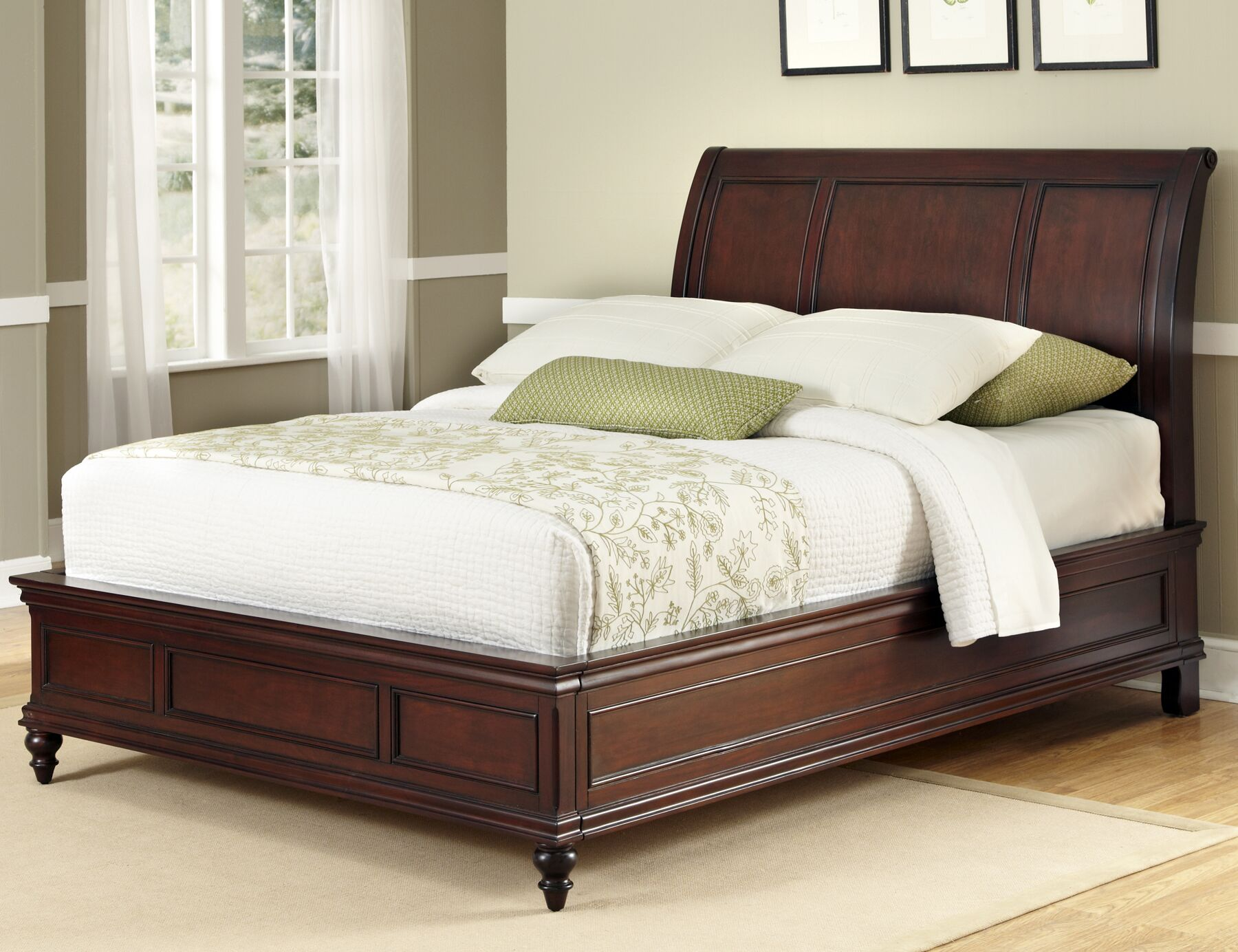 Lafayette Sleigh Bed Size: Queen