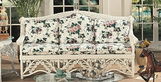 Mathys Standard Sofa Upholstery: Floral Engagement