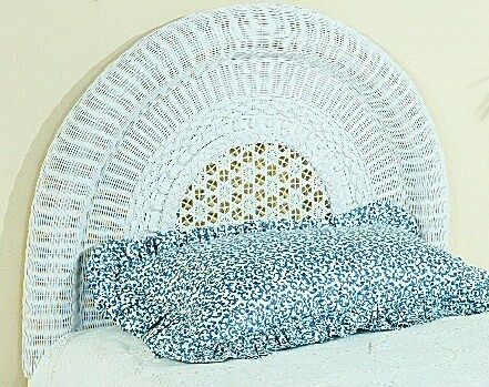 Wicker Panel Headboard Size: Double