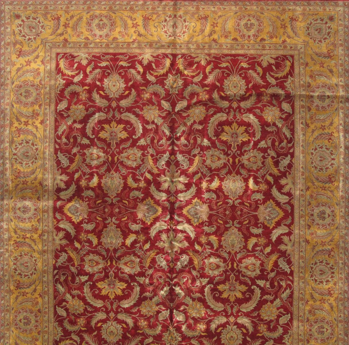 Agra Hand-Knotted Red/Gold Area Rug