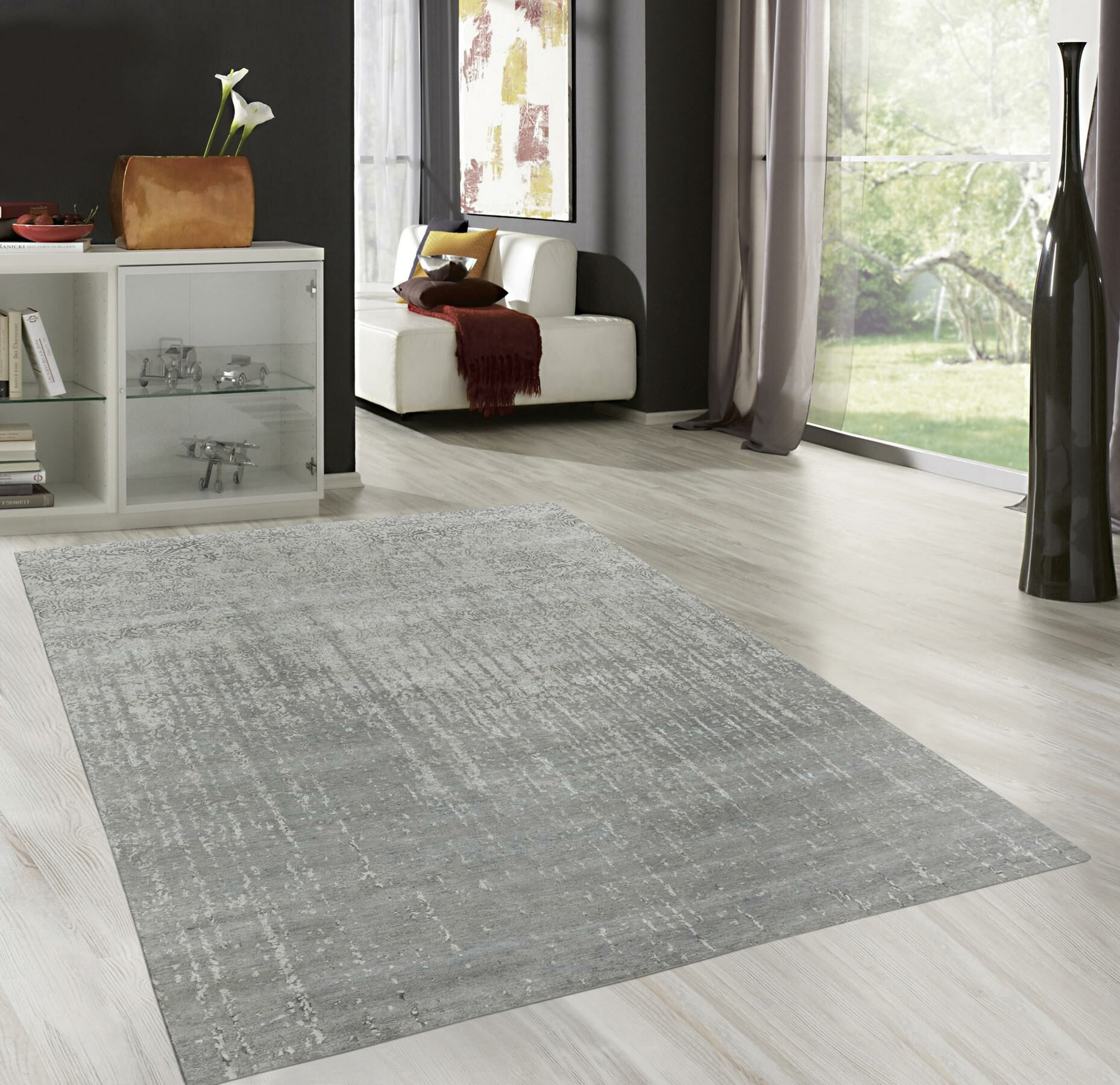 Transitional Hand-Knotted Silver Area Rug Rug Size: Rectangle 10' x 14'