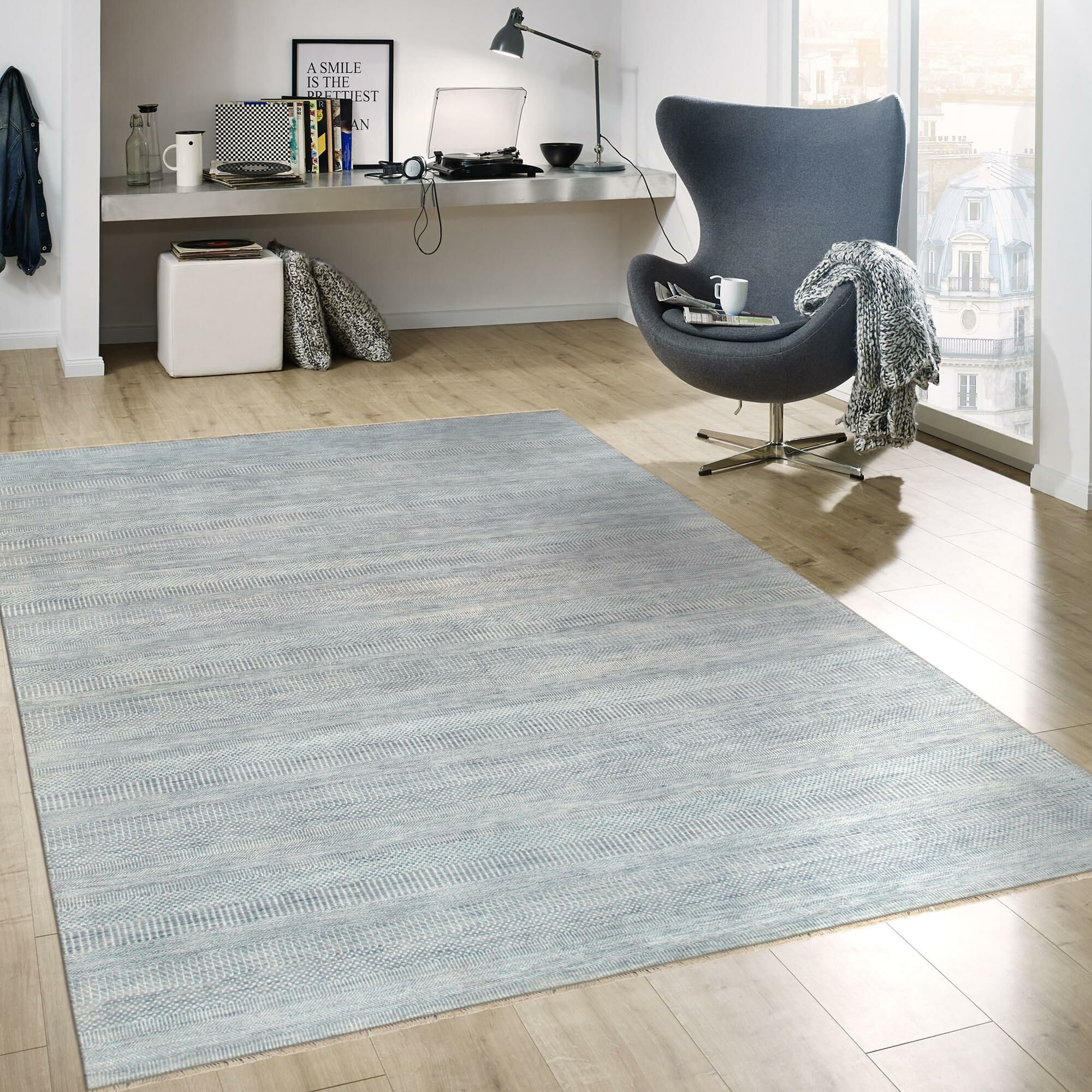 Transitional Hand-Knotted Rayon from Bamboo Silk and Wool Blue Area Rug Rug Size: 9'1