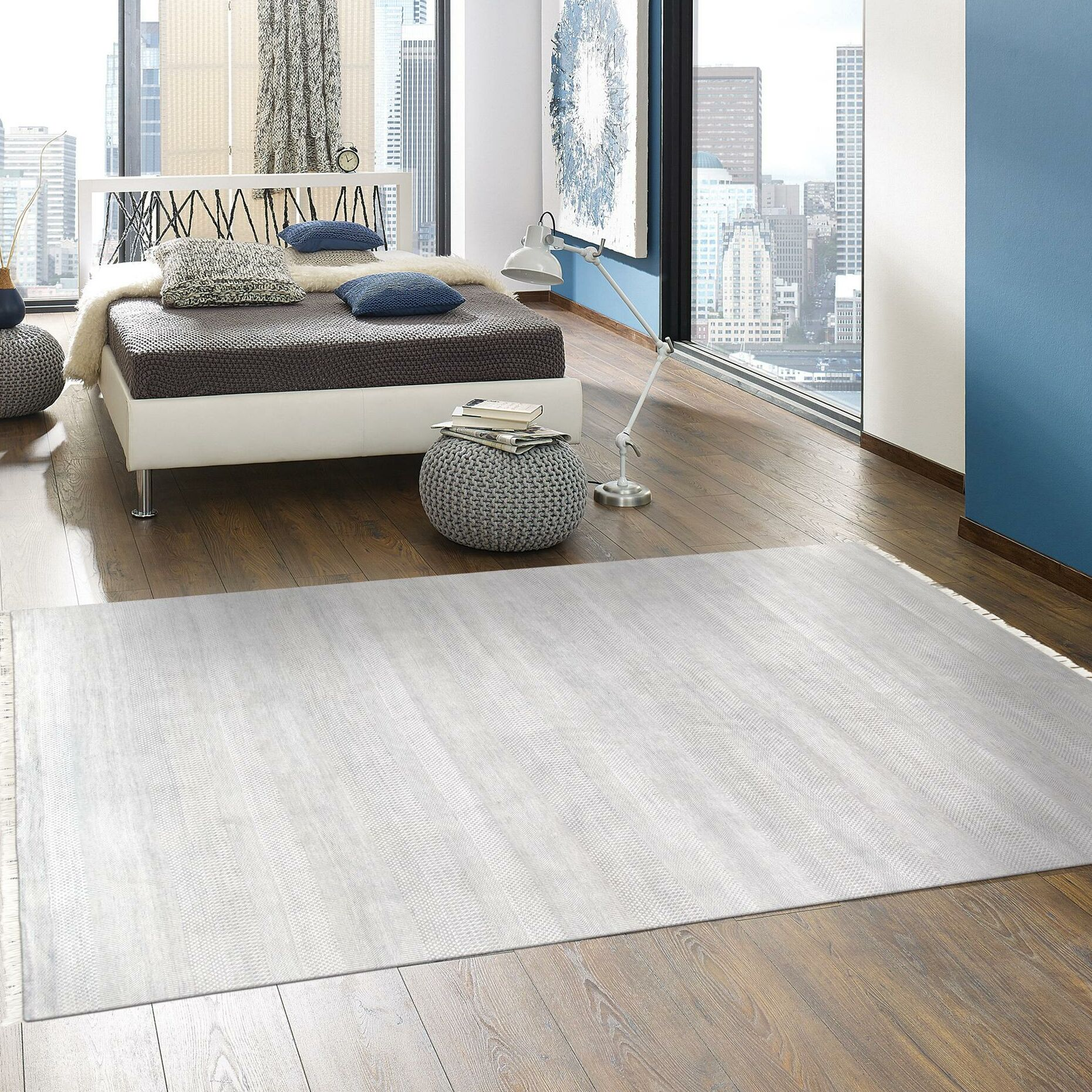 Transitional Hand-Knotted Wool/Silk Gray Area Rug