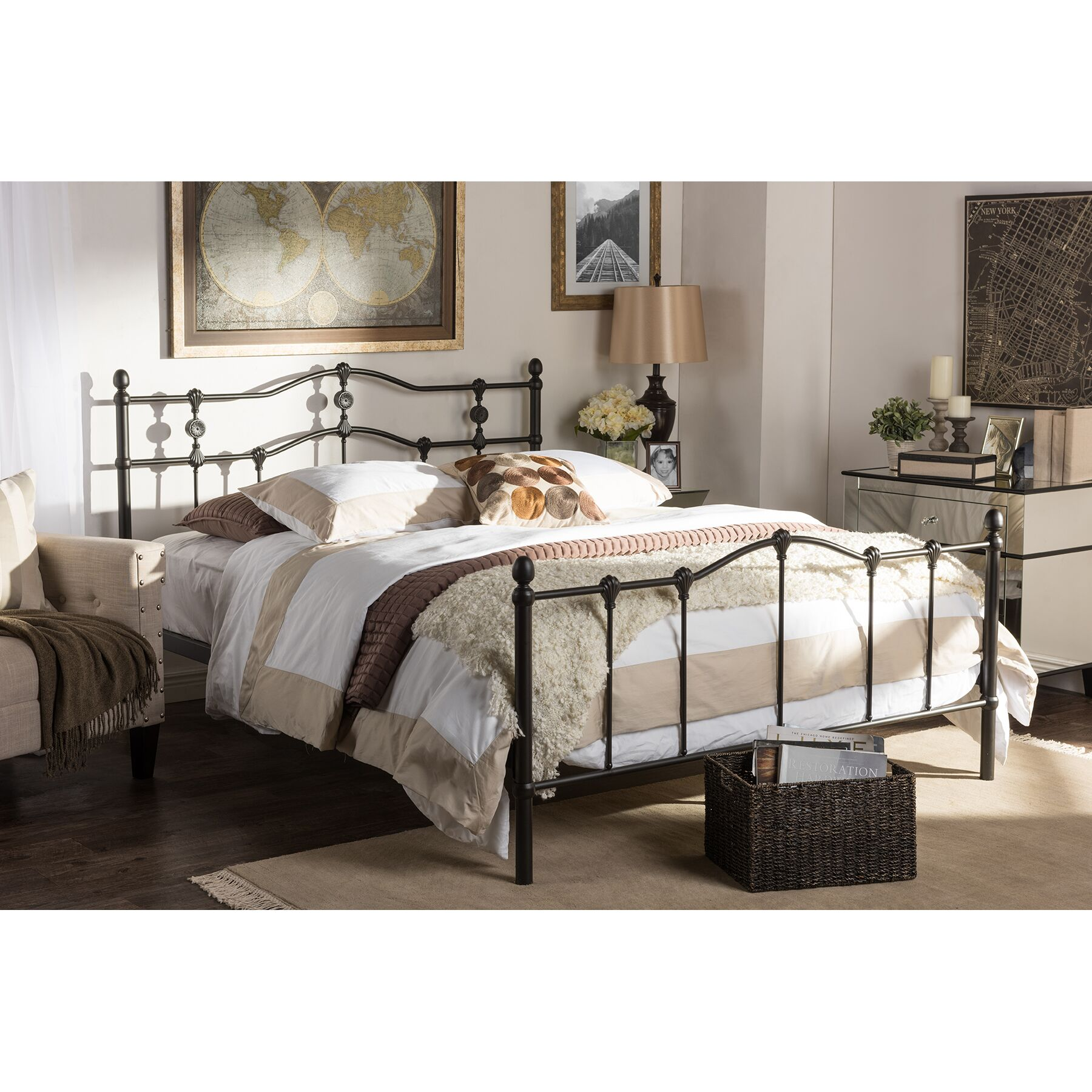 Cornwall Platform Bed Size: Full