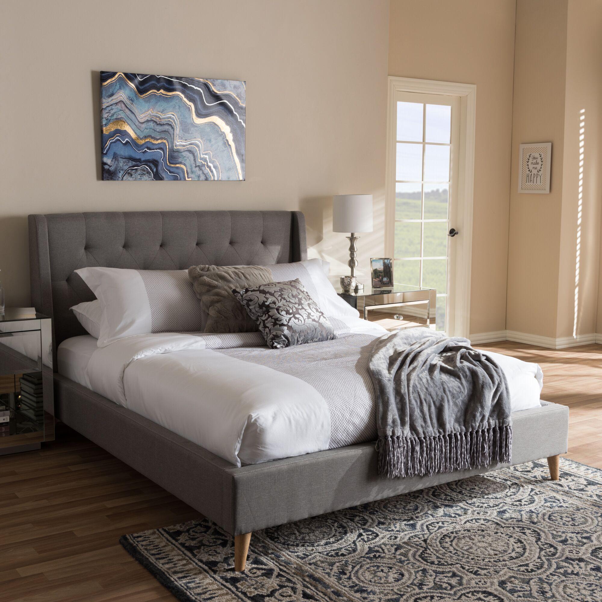 Elisabetta Upholstered Platform Bed Size: King, Color: Light Gray