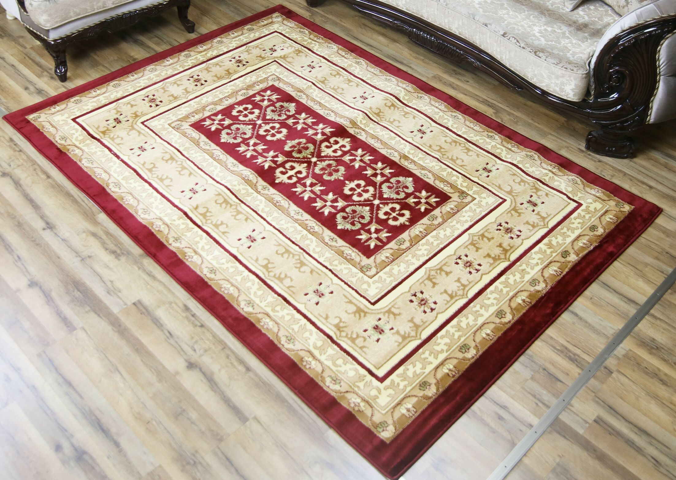 Passion Red/Cream Area Rug Rug Size: 5'3