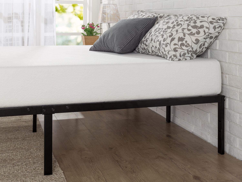 Classic Metal Platform Bed Frame Size: Full