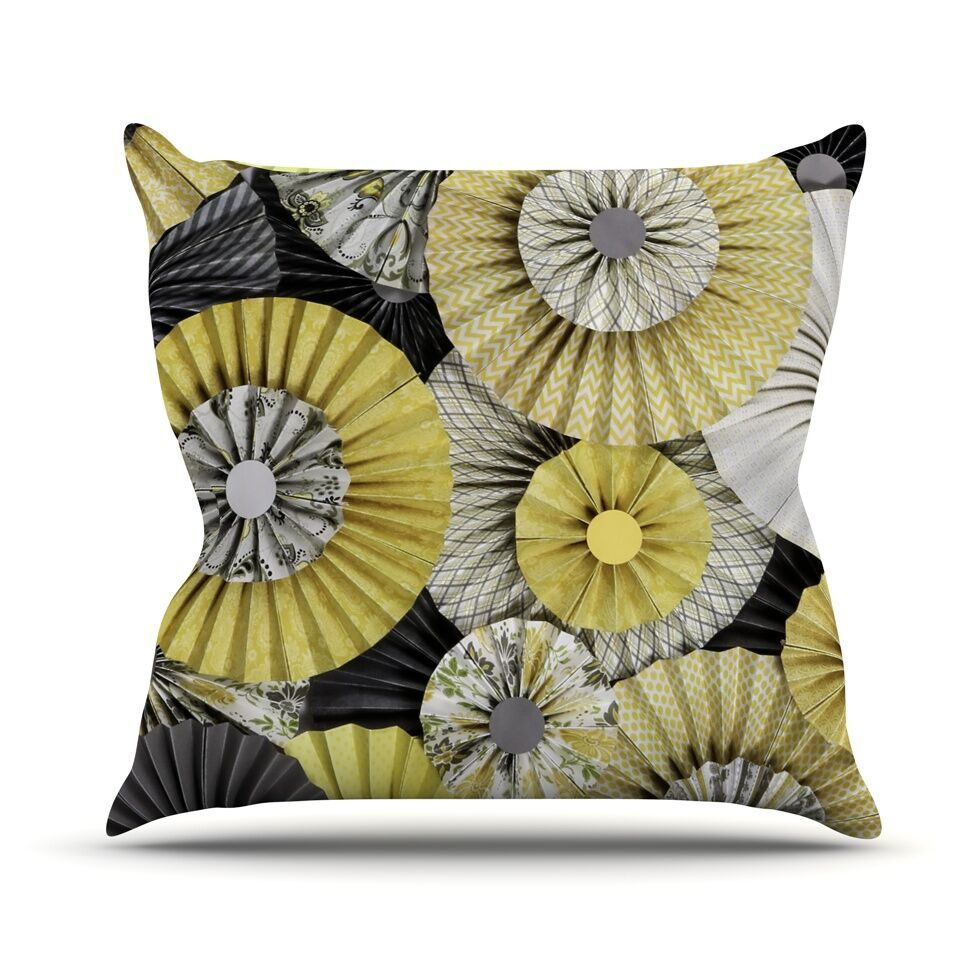 Daffodil by Heidi Jennings Throw Pillow Size: 26