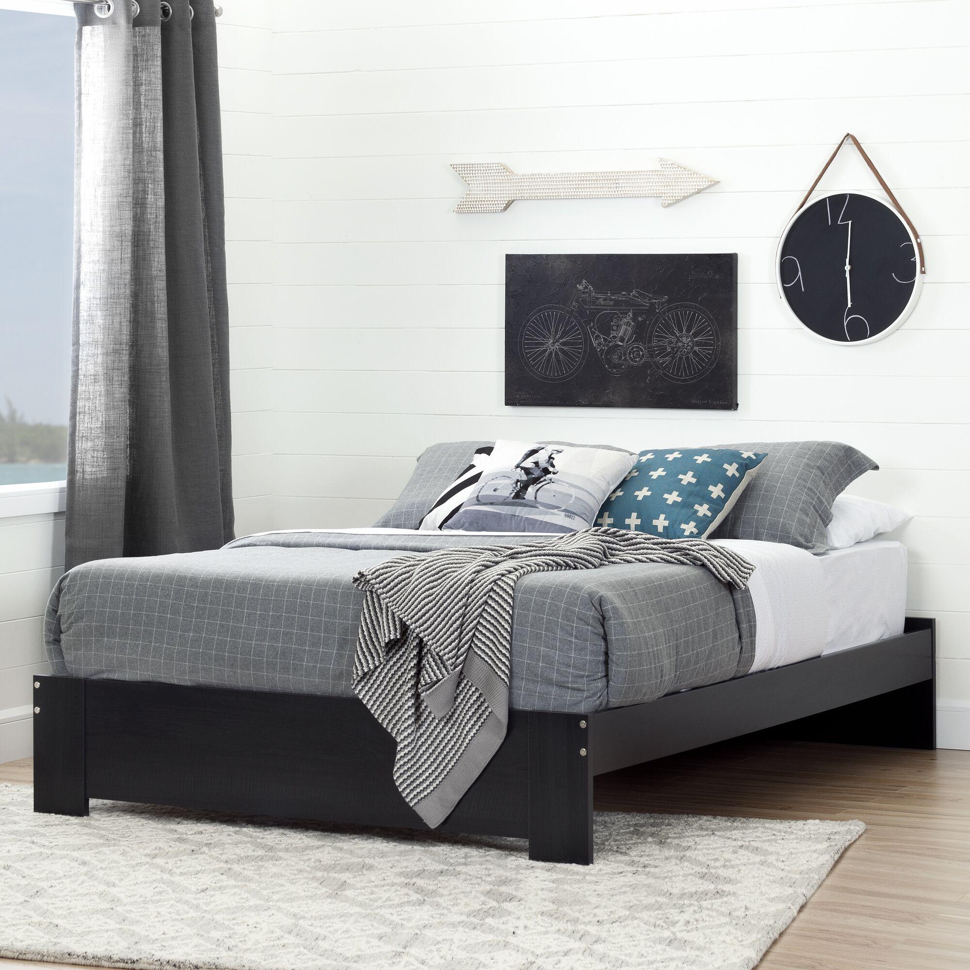 Reevo Queen Platform Bed Color: Black Onyx