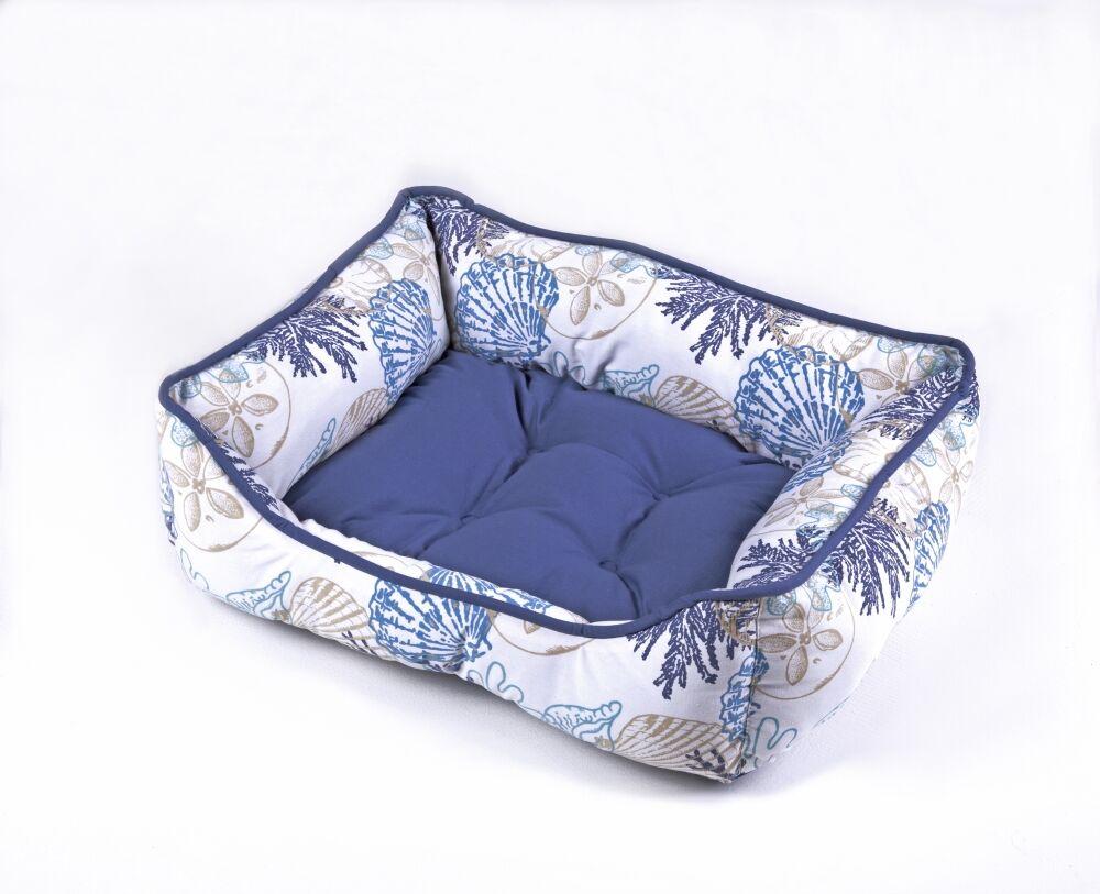 Daniela Pet Bed Size: 19