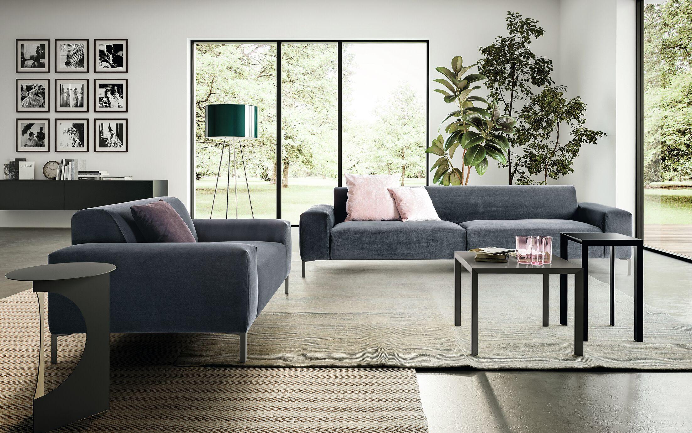 Boston Capitnonnè Sofa Size: 26.38
