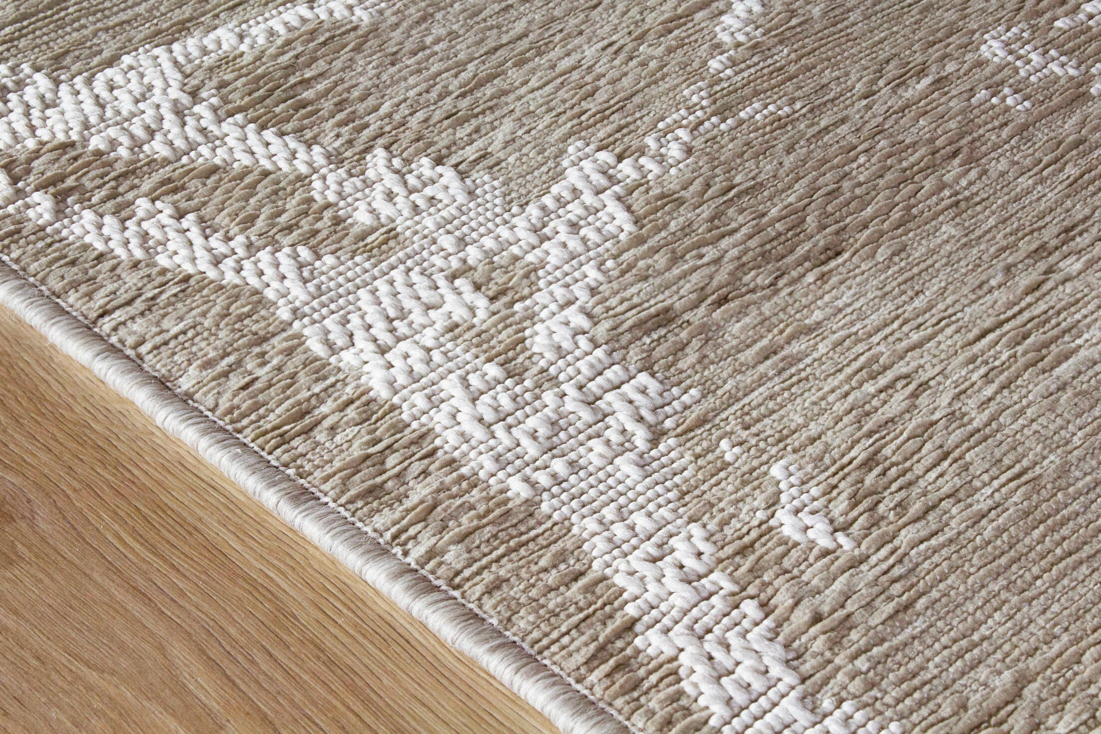 Colon Neutral Marble Beige Area Rug Rug Size: 5'3